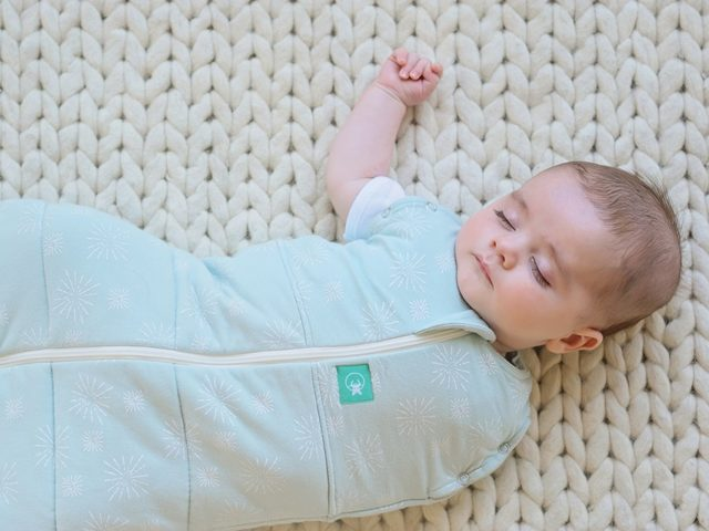 ergoPouch - ErgoCocoon Swaddle / sleeping bag Mint Star 2.5 TOG