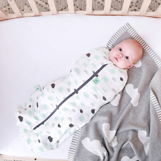 ergoPouch - Swaddle & Sleeping Bag for Child and Baby - Clouds, Cool