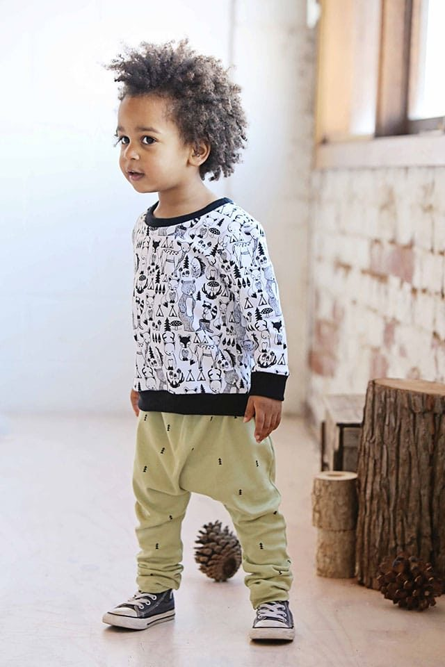 Mickey Rose - Jumper 5 Animal & Tiny Triangle Harems