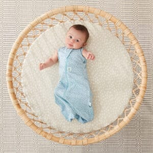 ergoPouch Swaddle Pebble arms out