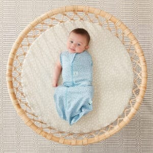 ergoPouch Swaddle Pebble one arm